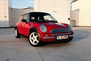 MINI Cooper (source - ThrottleChannel.com) 02
