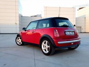 MINI Cooper (source - ThrottleChannel.com) 07