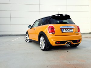 MINI Cooper S (source - ThrottleChannel.com) 012