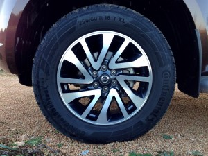 Nissan NP300 Navara 2.3 dCi 190 AT (source - ThrottleChannel.com) 06