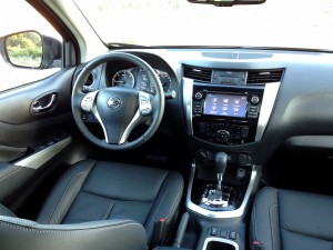 Nissan NP300 Navara 2.3 dCi 190 AT (source - ThrottleChannel.com) 09
