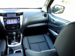 Nissan NP300 Navara 2.3 dCi 190 AT (source - ThrottleChannel.com) 10