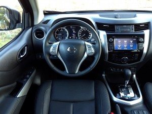 Nissan NP300 Navara 2.3 dCi 190 AT (source - ThrottleChannel.com) 11