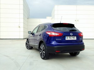 Nisaan Qashqai 1.6 dCi X-Tronic (source - ThrottleChannel.com) 003
