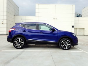 Nisaan Qashqai 1.6 dCi X-Tronic (source - ThrottleChannel.com) 007