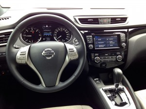 Nisaan Qashqai 1.6 dCi X-Tronic (source - ThrottleChannel.com) 013