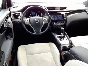 Nisaan Qashqai 1.6 dCi X-Tronic (source - ThrottleChannel.com) 015