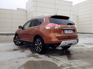 Nissan X-Trail 1.6 dCi (source - ThrottleChannel.com) 28