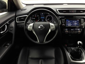Nissan X-Trail 1.6 dCi (source - ThrottleChannel.com) 36