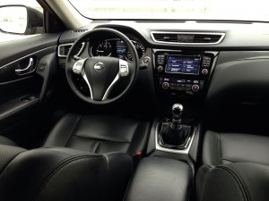 Nissan X-Trail 1.6 dCi (source - ThrottleChannel.com) 37