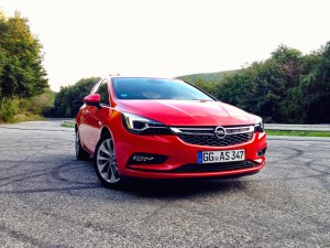 Opel Astra 1.6 CDTi (source - ThrottleChannel.com) 03
