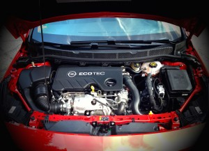 Opel Astra 1.6 CDTi (source - ThrottleChannel.com) 08