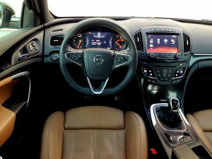 Opel Insignia 2.0 CDTi (source - ThrottleChannel.com) 05