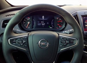 Opel Insignia 2.0 CDTi (source - ThrottleChannel.com) 07