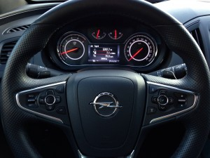 Opel Insignia Country Tourer (source - ThrottleChannel.com) 19b