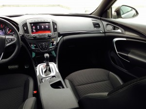 Opel Insignia Country Tourer (source - ThrottleChannel.com) 20