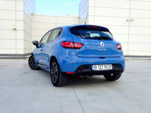 Renault Clio TCe 120 EDC (source - ThrottleChannel.com) 08