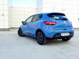 Renault Clio TCe 120 EDC (source - ThrottleChannel.com) 09