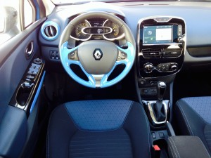 Renault Clio TCe 120 EDC (source - ThrottleChannel.com) 21