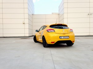 Renault Megane R.S. Trophy (source - ThrottleChannel.com) 07