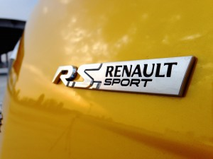 Renault Megane R.S. Trophy (source - ThrottleChannel.com) 13