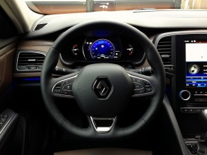 Renault Talisman TCe 200 EDC7 (source - ThrottleChannel.com) 17