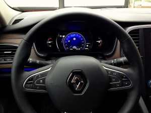Renault Talisman TCe 200 EDC7 (source - ThrottleChannel.com) 18