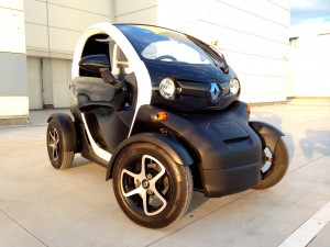 Renault Twizy Z.E. (source - ThrottleChannel.com) 003