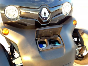 Renault Twizy Z.E. (source - ThrottleChannel.com) 005