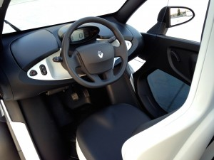 Renault Twizy Z.E. (source - ThrottleChannel.com) 017
